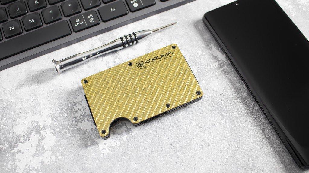 Aluminiowe etui na karty z karbonu RFID Koruma